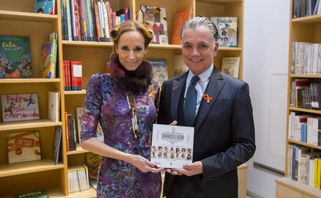 Juan Ramón Lucas y Sandra Ibarra presentan en Valladolid el proyecto 'Diario de vida'