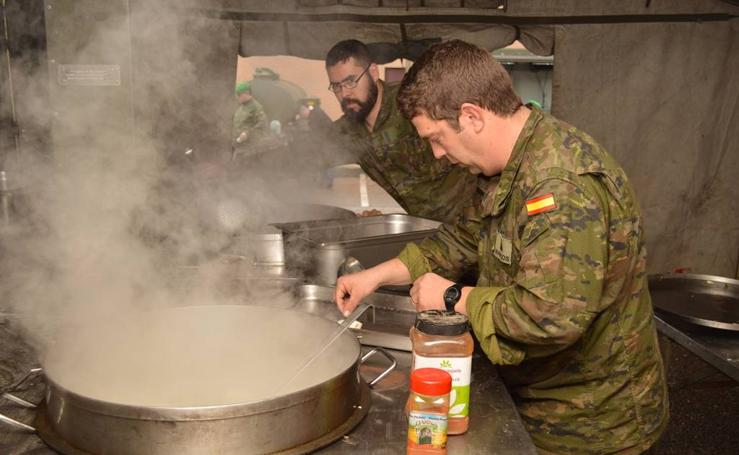 Cocineros militares comparten experiencias en Valladolid