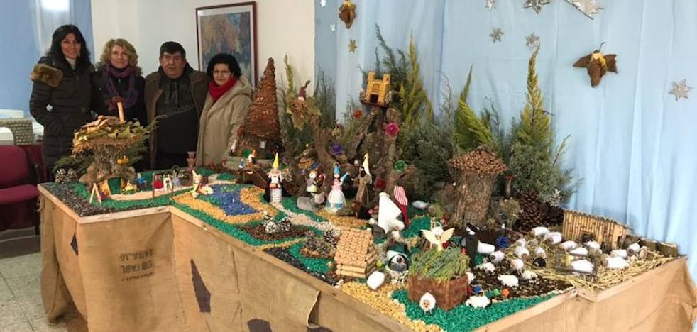 Husillos gana el III Concurso de Belenes Reciclados de Palencia
