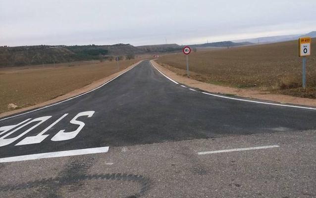 Concluyen las obras de mejora del firme en la carretera de Valdeolmillos