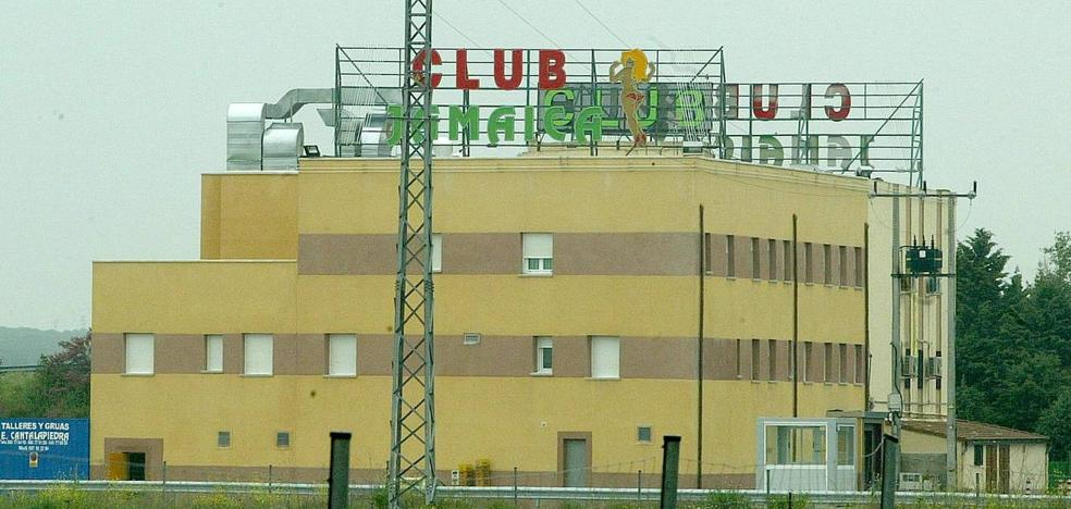 Hacienda embarga el club Jamaica