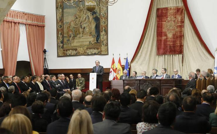 El Rey preside en la USal la presentación del Diccionario Panhispánico Jurídico