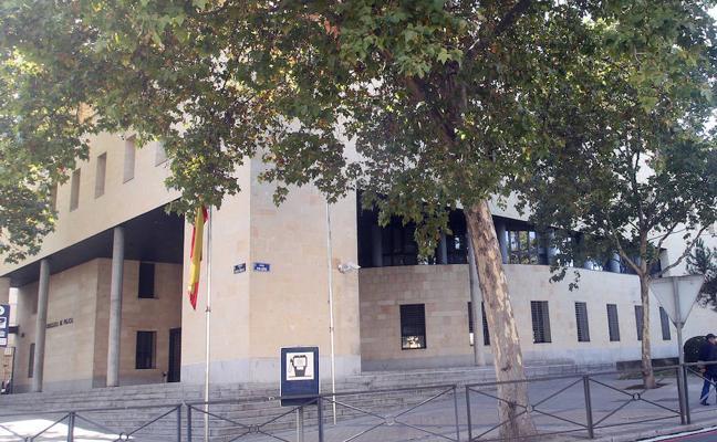 Detenidos en Segovia miembros de una banda que defraudó 3,7 millones en ayudas sociales
