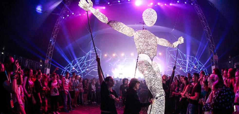 El gigante de luz de Dundu volverá a encabezar la cabalgata de Reyes