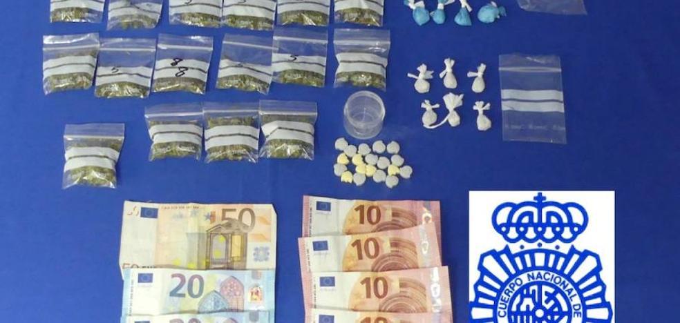 La Policía Nacional arresta a siete personas por delitos de tráfico de drogas y hurto
