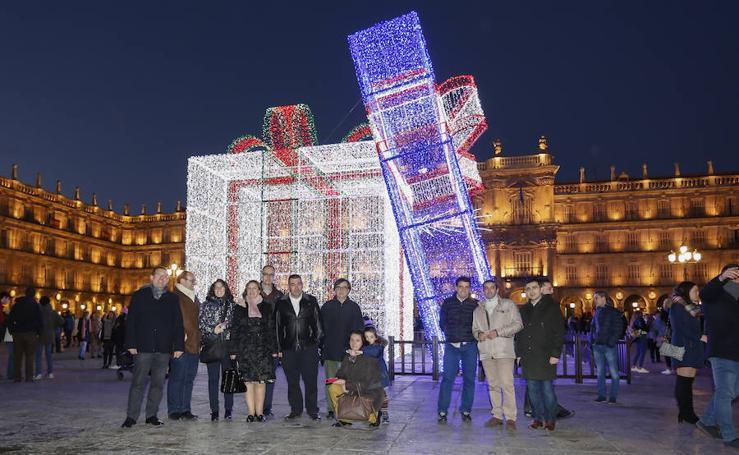 Regalo sorpresa navideño en la Plaza Mayor de Salamanca
