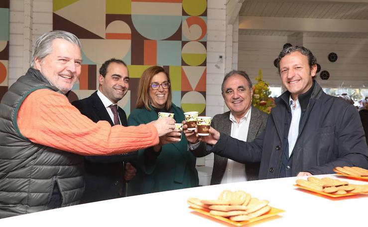 El ministro Méndez de Vigo visita Chocolates Trapa