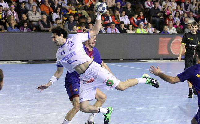 El Ademar no puede evitar la séptima Copa Asobal consecutiva del Barcelona