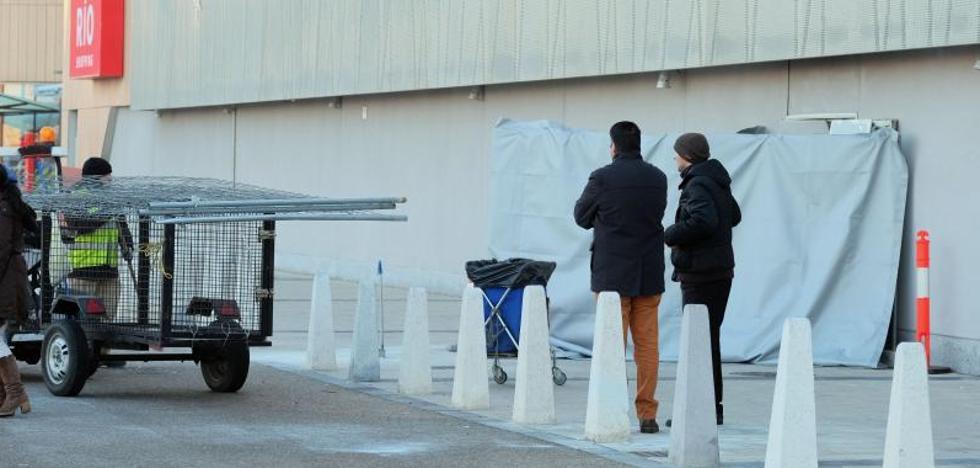 Los autores del alunizaje en RÍO Shopping se llevaron la caja fuerte de la tienda Juguettos