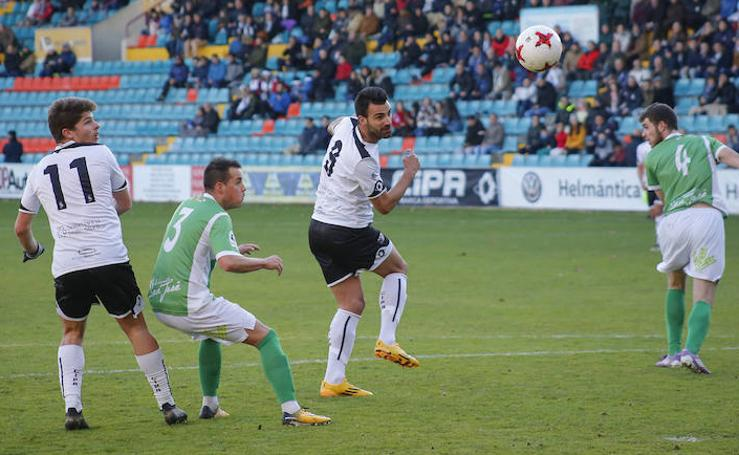 Partido de Tercera División entre el CF Salmantino y el CD San José de Soria (4-0)