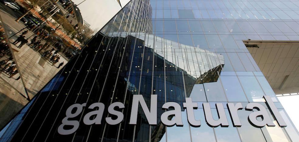 La CNMC expedienta a Gas Natural y Endesa por alterar el precio de la luz