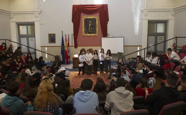 Alumnos de ocho provincias ponen voz a textos de Santa Teresa de Jesús y San Juan de la Cruz
