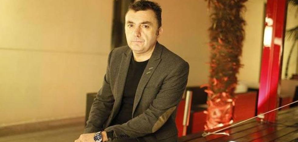 El aragonés Manuel Vilas gana el Premio Unicaja de Relatos con 'Ámbar'