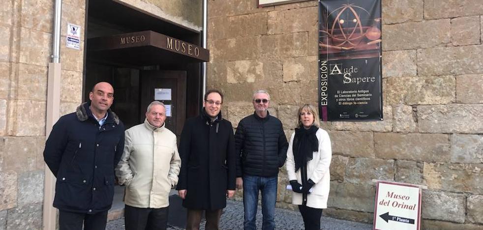 El Museo del Orinal podría salir de la localidad, según el Partido Popular
