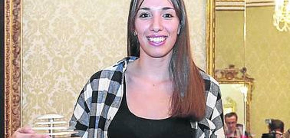 Laura Quevedo se marcha del Perfumerías Avenida