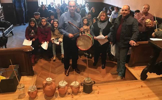 La cultura tradicional garantiza la transmisión del 'pujo' con la grabación de un disco