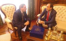 Las instituciones de Palencia reciben al fiscal general del Estado