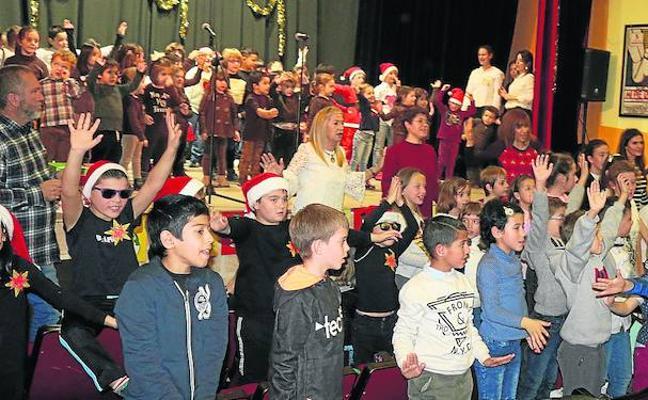 Escolares de Baltanás y Villaviudas celebran la Navidad