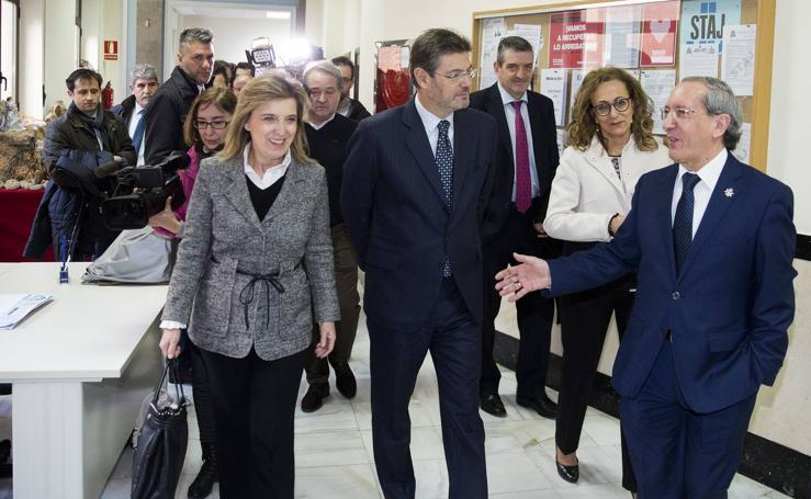 El ministro de Justicia mantiene un encuentro de trabajo en Valladolid para conocer el funcionamiento de la justicia digital