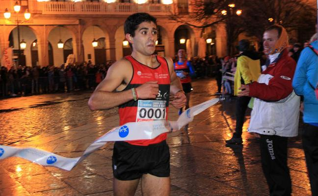 Santiago Llorente y Águeda Muñoz ganan la Carrera de Fin de Año