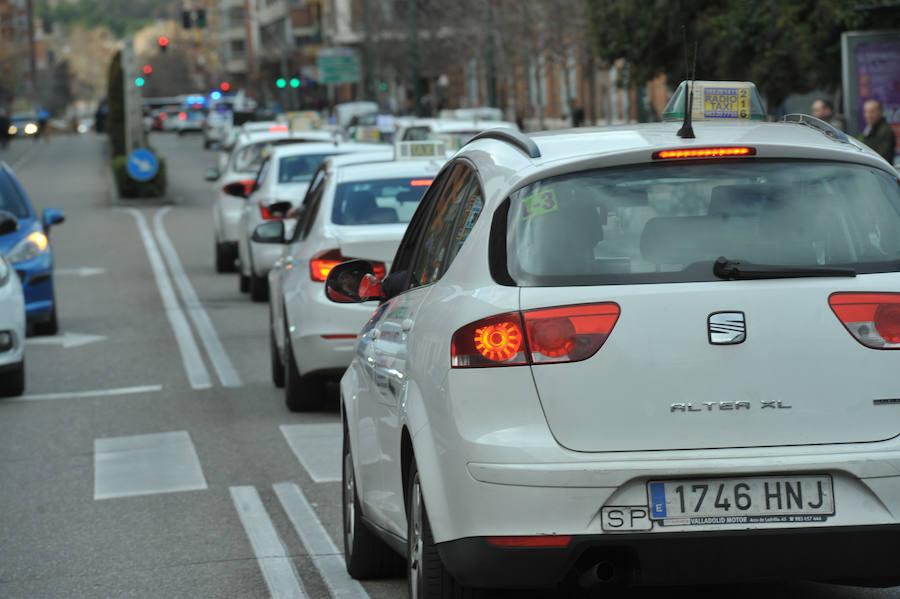 Protesta de los taxistas autónomos de Valladolid