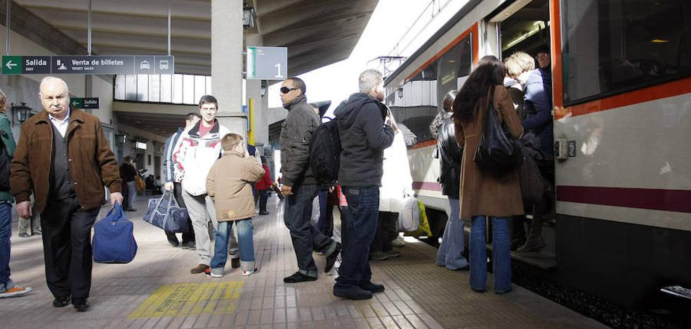 La línea ferroviaria hasta Ávila mantiene su estatus de obligación de servicio público