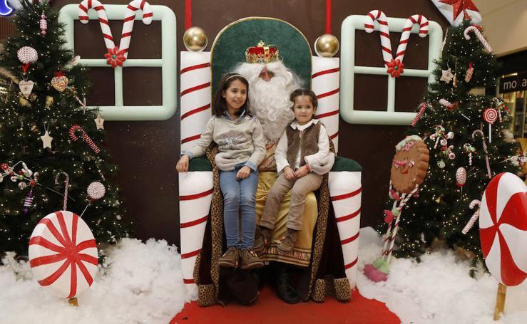 Los palentinos apuran las horas antes de despedir la Navidad