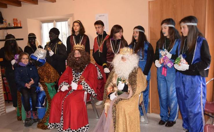 Sus Majestades, en Velilla y Santibáñez