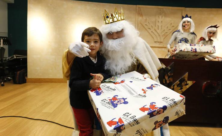 Fiesta en la Caja Rural de Salamanca con los Reyes Magos