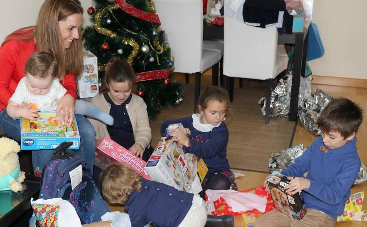 Las familias vallisoletanas nos enseñan los regalos de los Reyes Magos