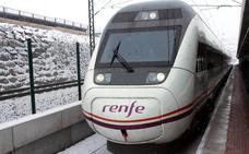 La Policía de Segovia rescata a 80 viajeros en la estación del Ave