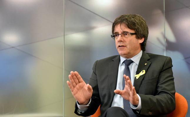 Puigdemont plantea una investidura telemática y regresar después a España