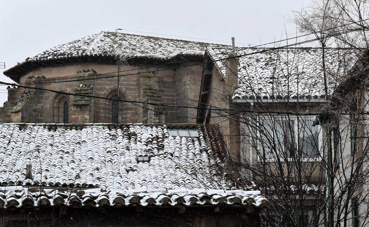 Aguilar recibe otra ligera nevada