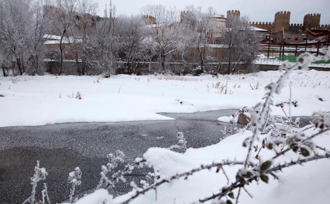 La nieve mantiene Ávila colapsada 4 días después