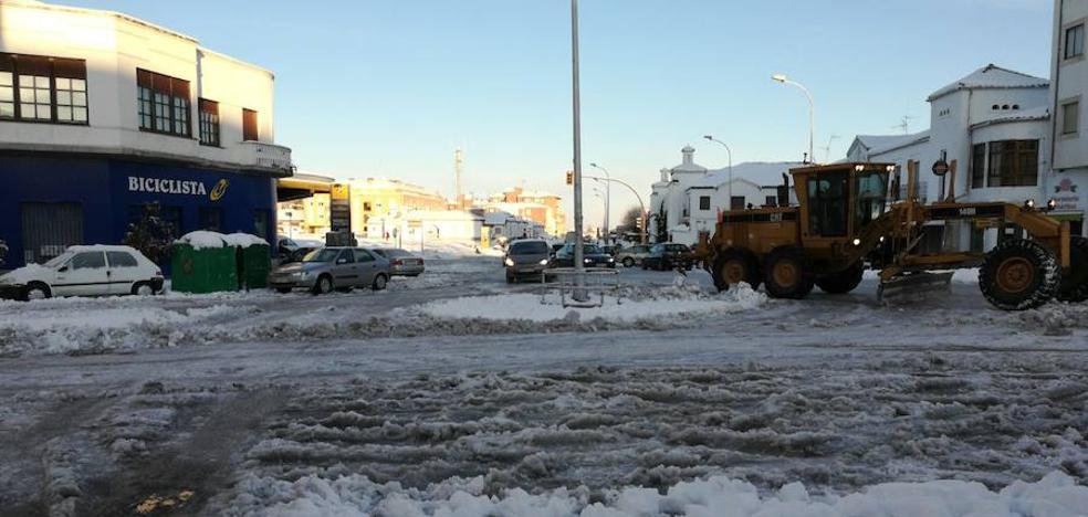 El temporal deja sin clases a 1.240 alumnos de 21 municipios y la nieve reaparece hoy