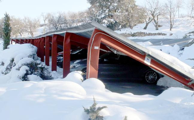Paradores pagará los daños de los 18 coches atrapados en el 'parking'