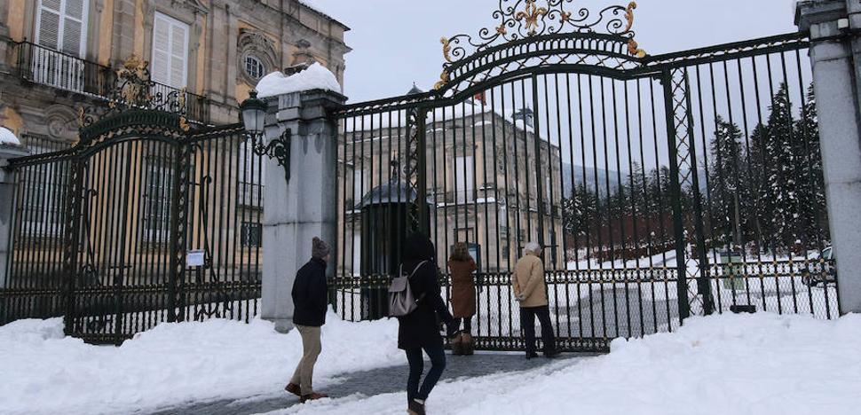 La nieve mantiene cerrados los Palacios de La Granja y Riofrío