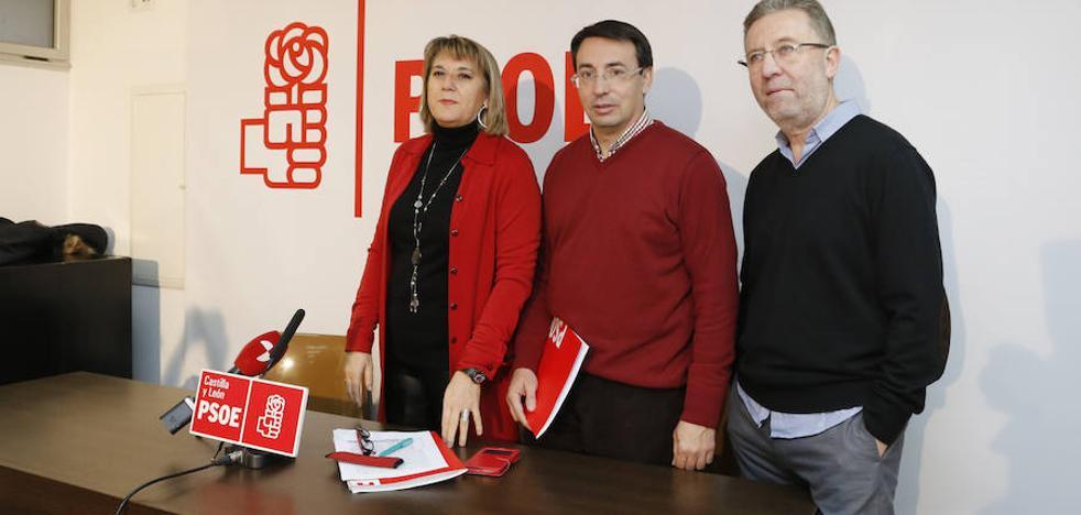 El PSOE pide medidas para que el hospital deje de tener la mayor lista de espera de toda la región