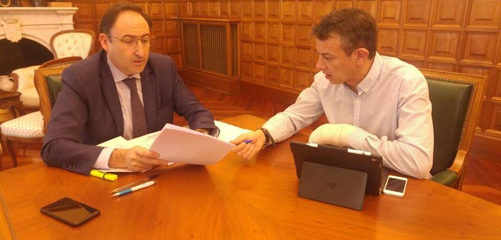 El alcalde cierra con Ciudadanos la ronda de reuniones con la oposición