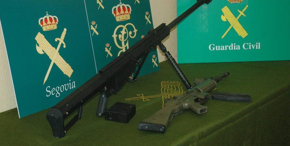 Intervienen en Segovia un fusil de asalto de una armería implicada en la operación 'Portu'
