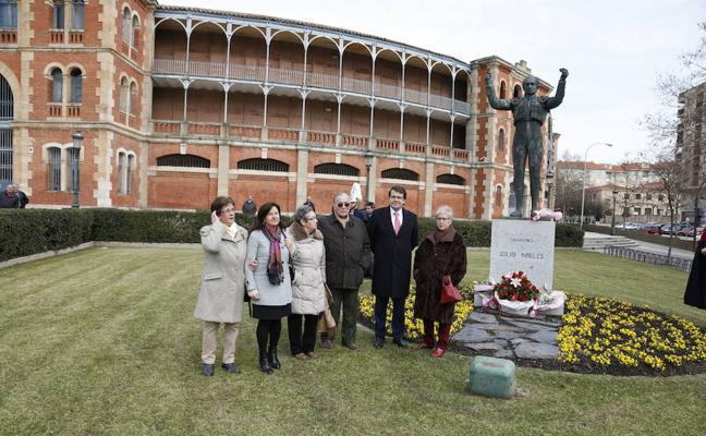La ciudad volverá a rendir homenaje al torero Julio Robles junto a La Glorieta