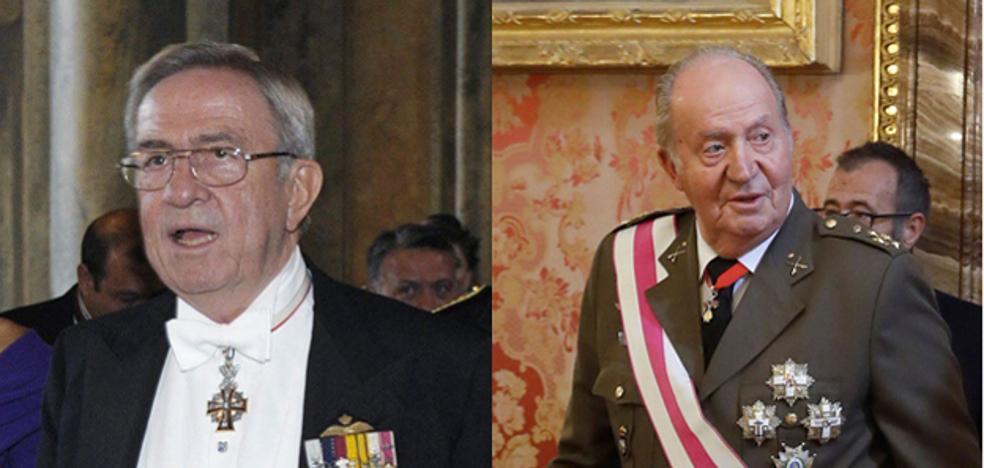 El Rey Juan Carlos y Constantino de Grecia fuman la pipa de la paz