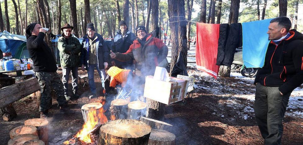 El espíritu motero invade La Leyenda Continúa, que arranca con mil preinscritos