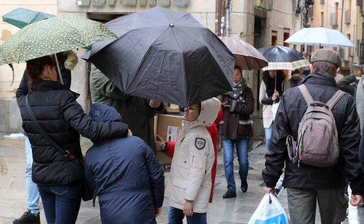 Fría y lluviosa jornada del sábado en Segovia