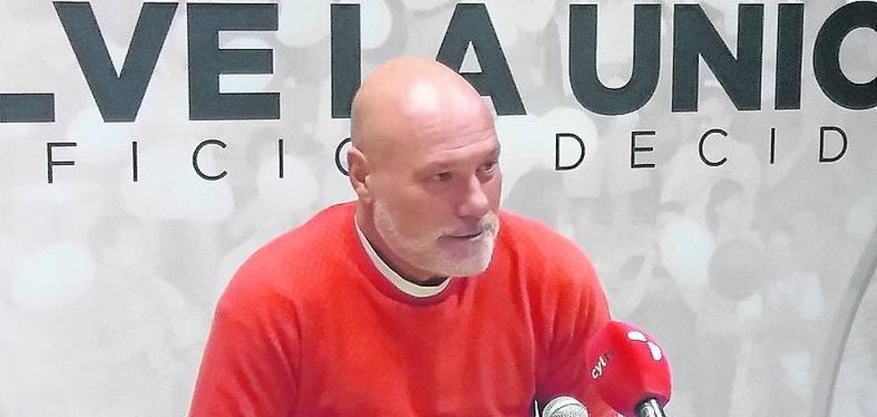 Calderé destaca que el Bembibre marca poco «pero recibe muy pocos goles»