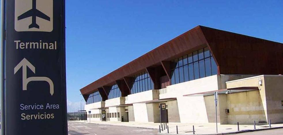 El aeropuerto de Matacán registra un descenso de viajeros del 3%