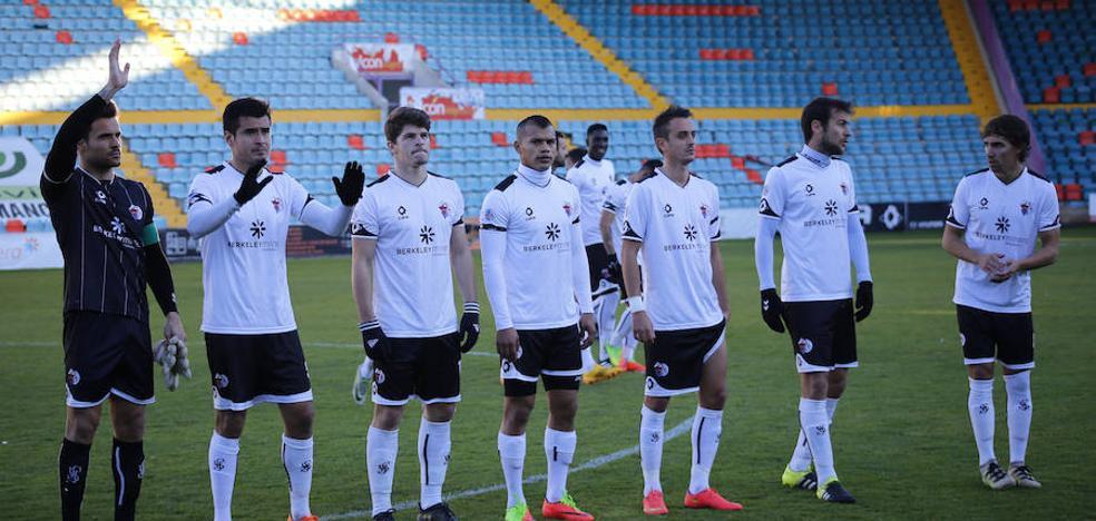 El CF Salmantino quiere recuperar el segundo puesto ante un Atlético Bembibre a la baja