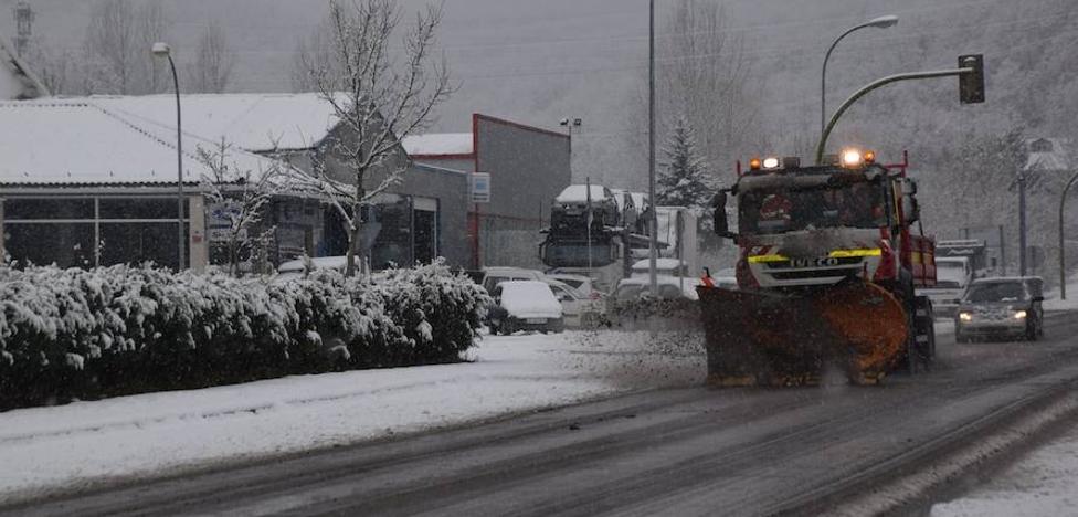 La nieve no impide la circulación en Guardo