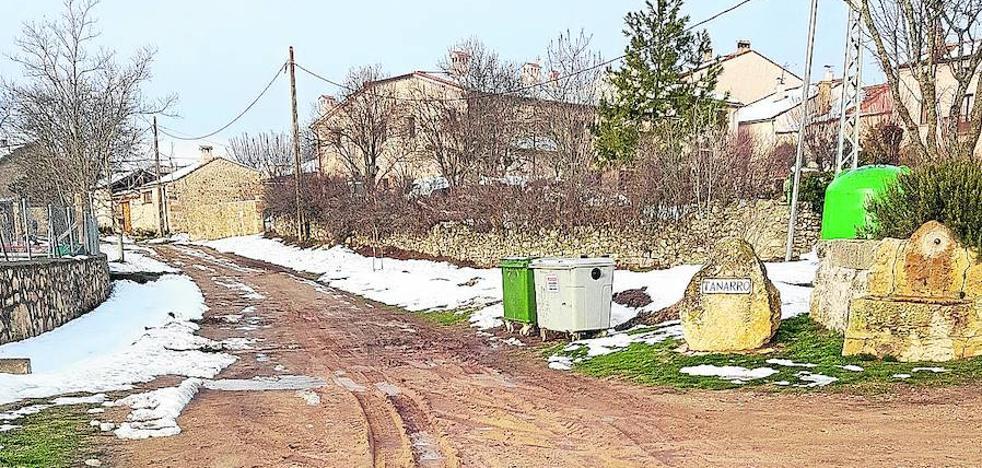 Tanarro, el pueblo que no tiene ni una calle asfaltada, ha estado una semana aislado por la nieve