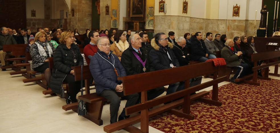 La hermandad Virgen de la Piedad de Palencia celebra su aniversario